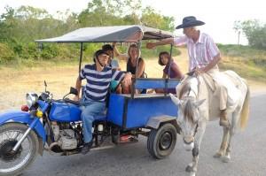 notre moto taxi à Trinidad